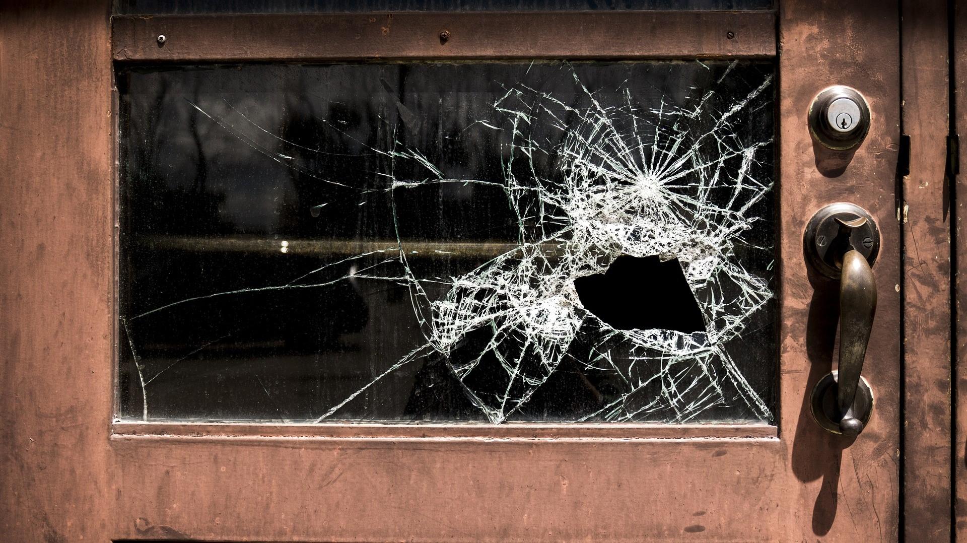 wood_glass_door.jpg